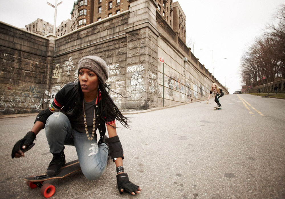 skate girl Via: HD Wallpapers Act