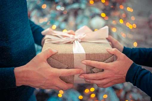 7 Tips to Find the Right Gift for Each Person on Your List