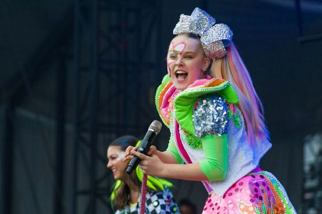Jojo Siwa Comes Out as Gay in Viral TikTok Video, Thanks Fans for Their Support